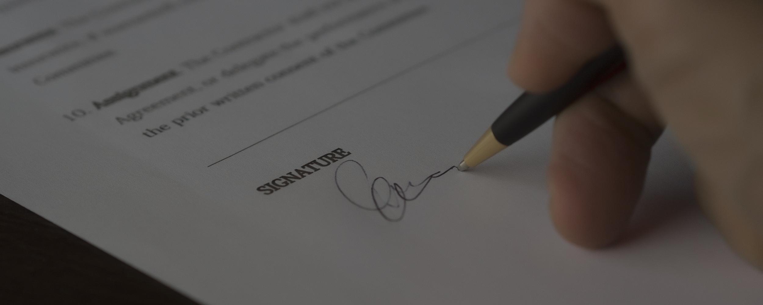 El TS declara que los pactos novatorios no convalidan la cláusula suelo inicial, pero si superan el control de transparencia son válidos