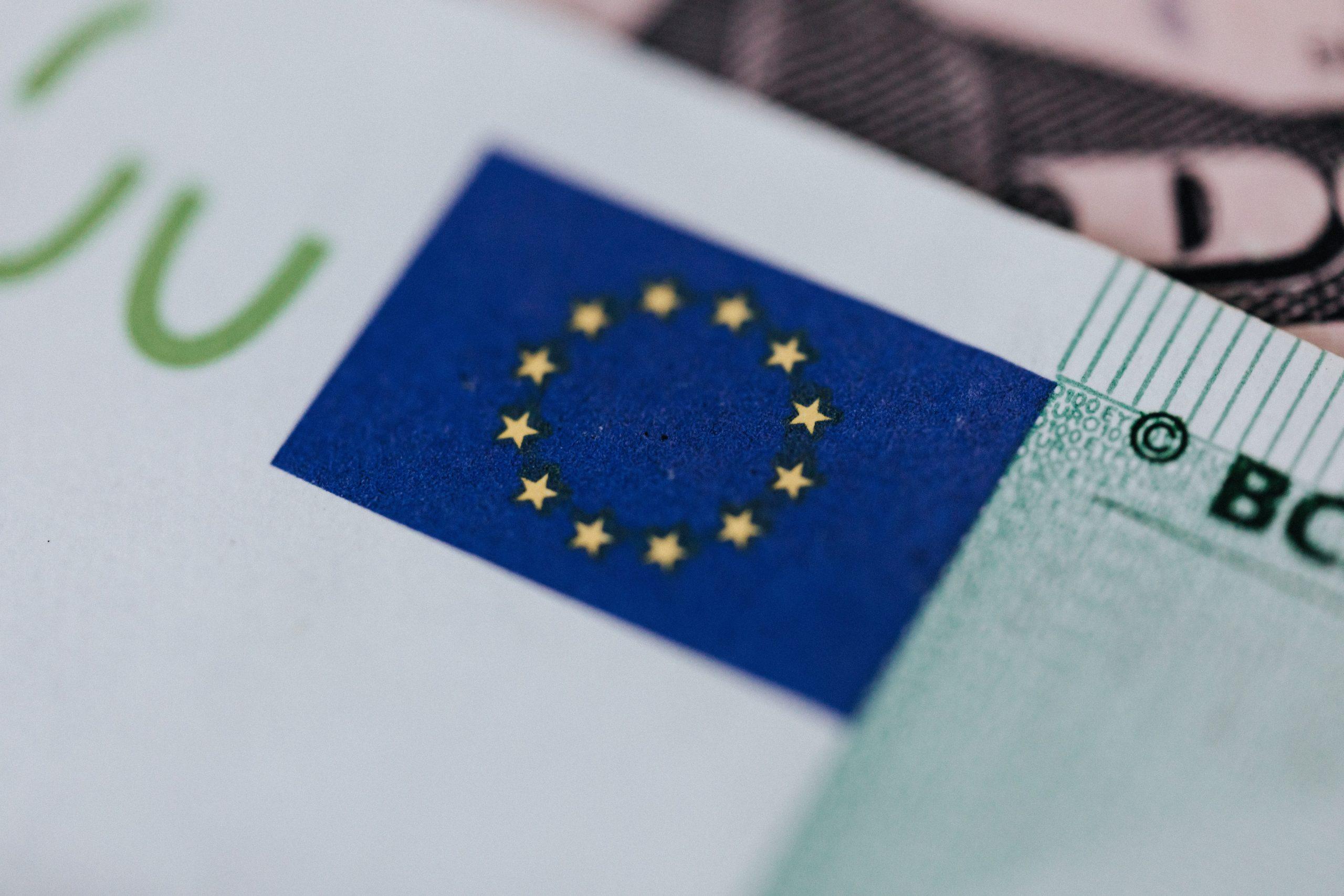 LA COMISIÓN EUROPEA IMPULSARÁ UNA NUEVA DIRECTIVA COMUNITARIA PARA COMBATIR EL SOBREENDEUDAMIENTO DE LOS CONSUMIDORES